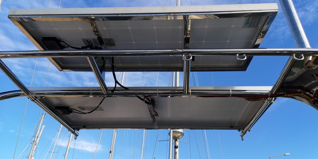 neues Vitcron Solarpanel auf Geräteträger