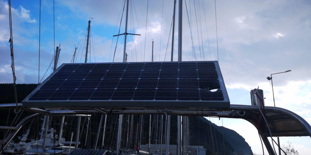 Windgeneraror auf Victron Solar Panel gefallen