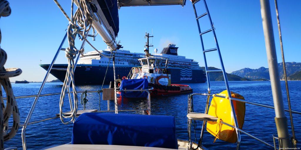 Kreuzfahrtschiff Einfahrt
